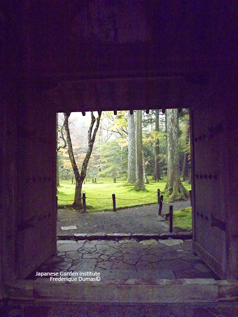 Spiritual Japan niwaki tour - study tour in Japan - Frederique Dumas www.japanese-garden-institute.com www.frederique-dumas.com